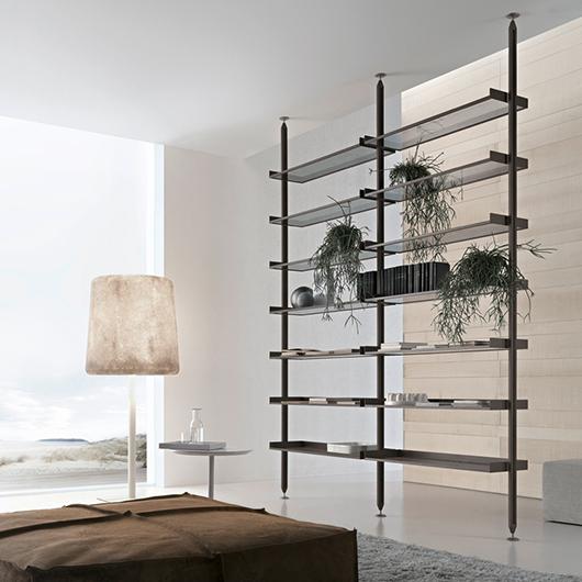 Zenit Schranksystem von Rimadesio - neuartiges Anbausystem mit Aluminiumpfosten und Regalelementen als Raumteiler.