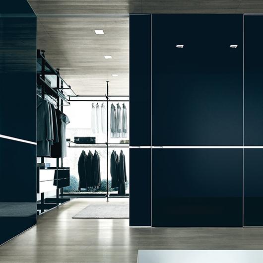 Zenit Kleiderschränke, Ankleidesysteme von Rimadesio. Begehbare Ankleiden und Schranksysteme von Rimadesio.