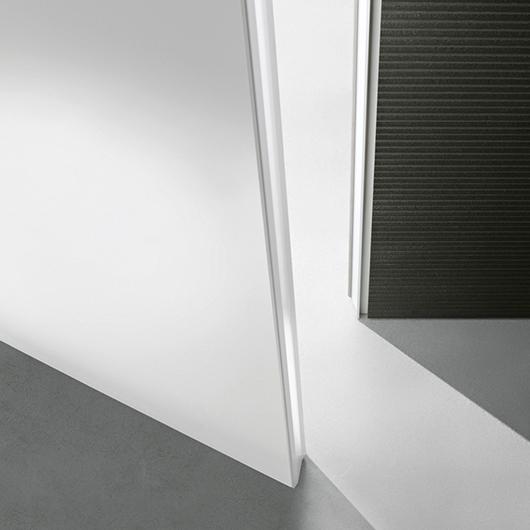 Exklusive Tür Moon von Rimadesio - Moon, eine flächenbündige lackierte Glastür.