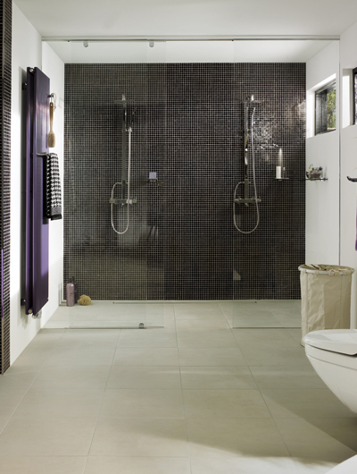 Glasabtrennung für Nischen-Dusche