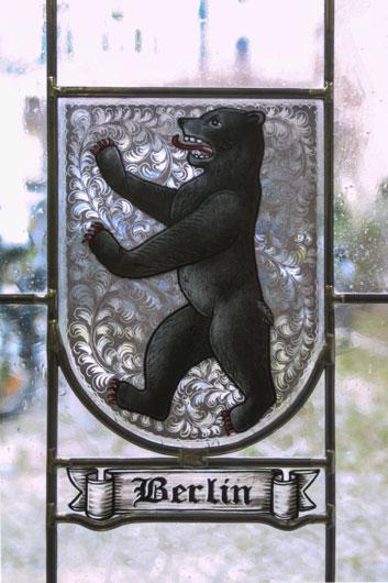 Stadtwappen von Berlin als Fensterbild. Hochwertige Glasmalerei individuell angefertigt auf Echtantikglas.