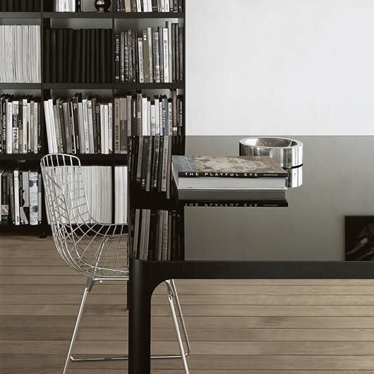 Flat von Rimadesio - Designer Tische und Glastische. Erweiterbare Tischkombinationen.