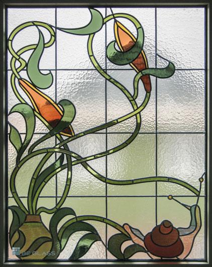 Jugendstilmotiv Schnecke, Bleiverglasung als Fensterverglasung aus Echt-Tischkathedralglas und Echt-Antikglas.