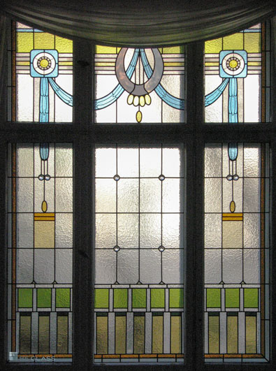 Bleiverglasung Wien im Gründerzeit-Stil als Fensterverglasung mit Art Deco Elementen