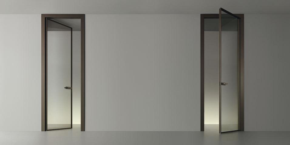 Zen Design Glastür von Rimadesio, Einbaubeispiel zwei Glastüren
