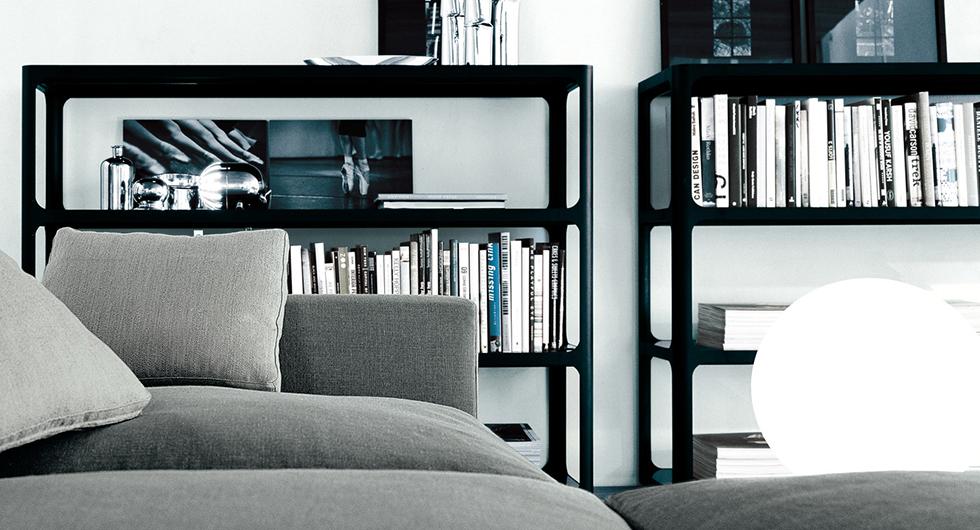 Regal Sixty - italienisches Design und eine subtile Referenz an die sechziger Jahre. Sixty - exklusives Regalsystem von Rimadesio.