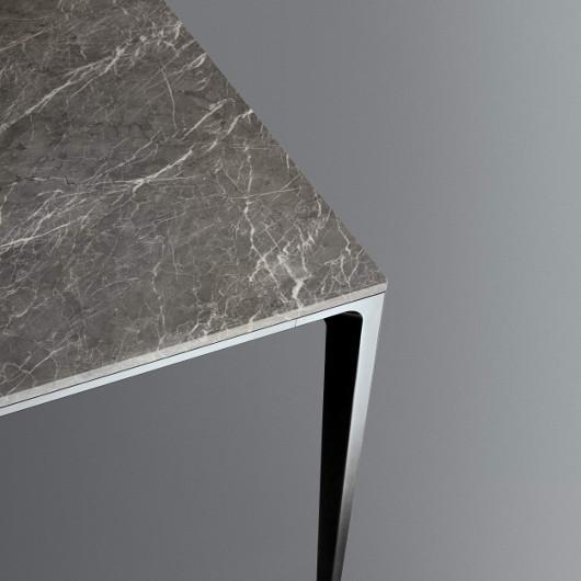 Bild-Eigentümer: Rimadesio SpA, Long Island Tisch mit Marmorplatte, italienisches Design by Giuseppe Bavuso