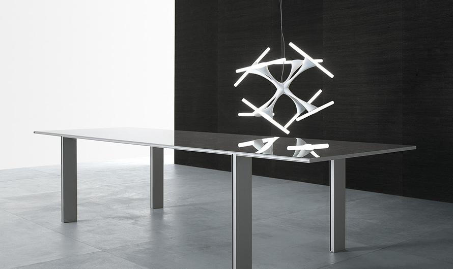 Designertisch Tabula von Rimadesio - exklusiver Stil. Diese Tische sind vollkommen demontierbar ohne sichtbare Schrauben.