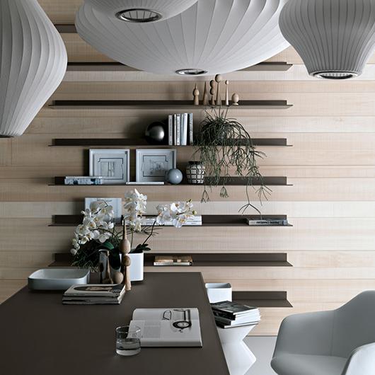 Designer Regalsystem Eos von Rimadesio aus lackiertem Glas und Aluminiumrahmen. Mit integriertem Beleuchtungssystem.