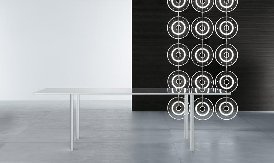 Tabula Tisch von Rimadesio - exklusiver Stil. Eleganter Designertisch - vollkommen demontierbar ohne sichtbare Schrauben.