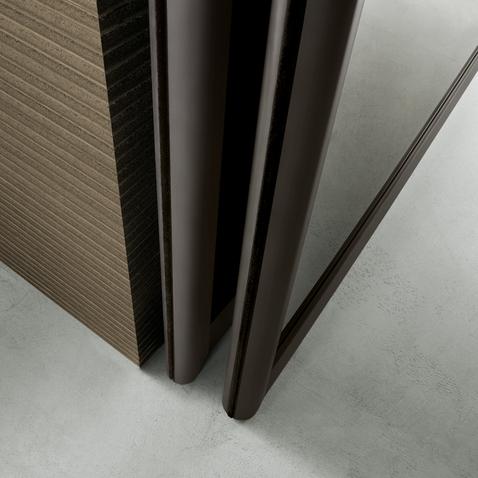 Siparium von Rimadesio als Glasfalttür und Raumteiler. Detailansicht der Falttür.