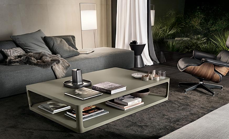 SIXTY Couchtisch von Rimadesio. Tisch im Stil der Sechziger. Lackierte Ecocolorsystem Glasplatten in 50 Farbtönen glänzend oder matt.