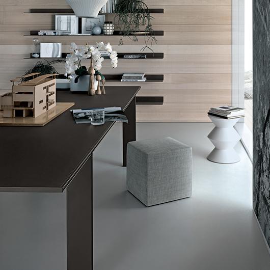 Tabula Tisch von Rimadesio - exklusiver Stil - vollkommen demontierbar ohne sichtbare Schrauben.