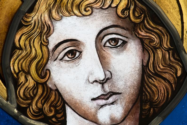 Detailansicht der hochwertigen Glasmalerei auf Echtantikglas Motiv St. Georg, Bleiverglasung