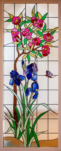 Bleiverglasung mit floralem Motiv Lilien und Oleander aus Echt-Tischkathedralglas und Colorescentglas