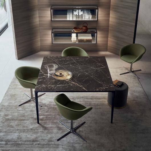 Bild-Eigentümer: Rimadesio SpA, Long Island Tisch quadratisch, italienisches Design by Giuseppe Bavuso