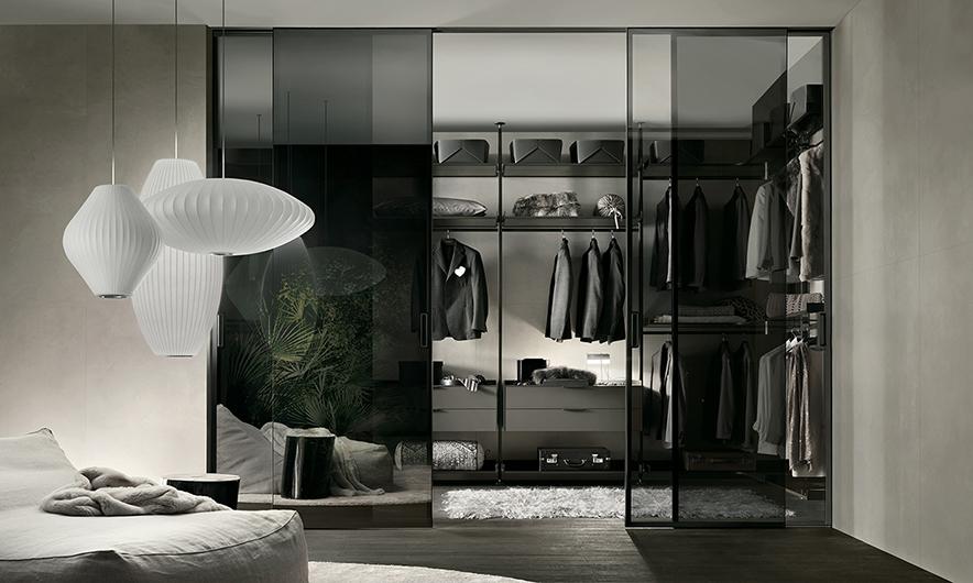 Zenit Kleiderschränke, Ankleidesysteme von Rimadesio. Begehbare Ankleiden und Schranksysteme. Gestaltungsvorschlag für eine begehbare Ankleide.