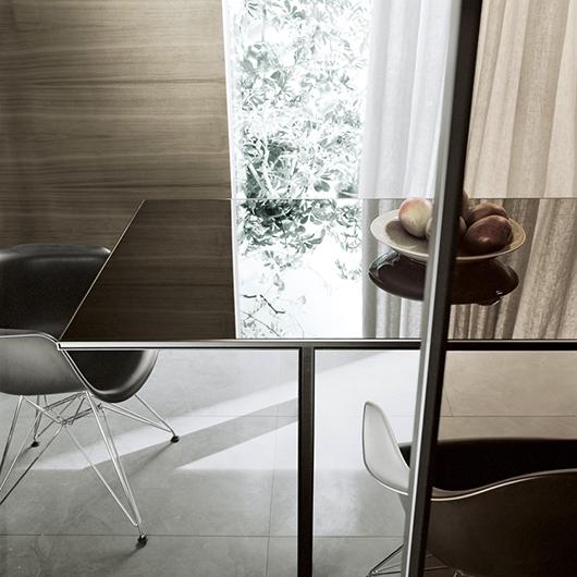Tabula Tisch von Rimadesio - exklusiver Stil. Eleganter Designer-Tisch - vollkommen demontierbar ohne sichtbare Schrauben.