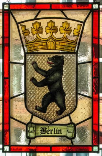 Berliner Stadtwappen als Fensterbild. Hochwertige Glasmalerei individuell angefertigt auf Echtantikglas.