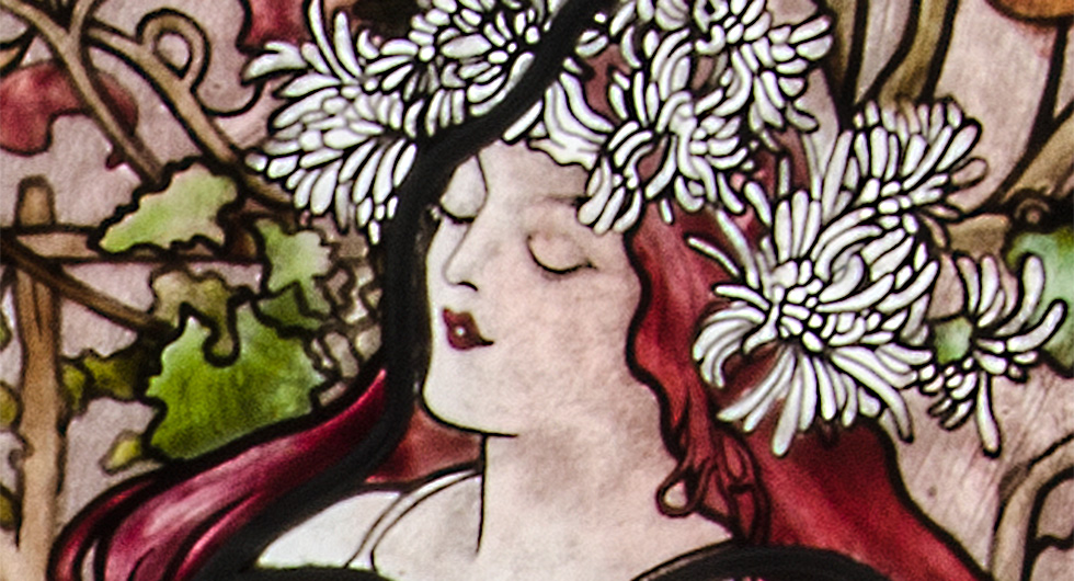 Detailansicht der Glasmalerei mit Jugendstilmotiv nach Alfons Mucha, Herbst