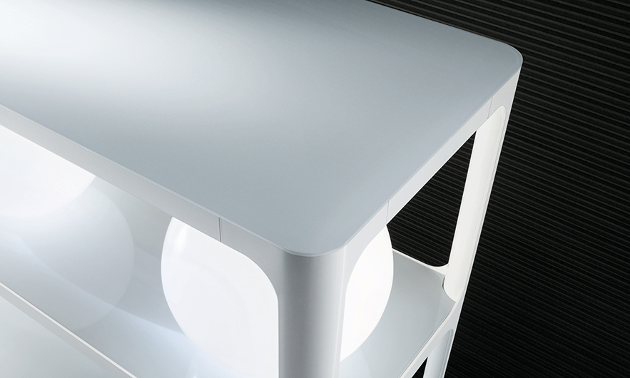 Exklusives Regal Sixty von Rimadesio - italienisches Design und eine subtile Referenz an die sechziger Jahre - Detailansicht.