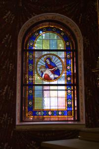 Bleiverglasungen mit Glasmalereien für alle Kirchenfenster der St. Marien am Behnitz